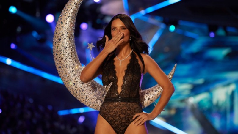 Victoria's-Secret-Fashion-Show-Takes-A-Staggering-Drop-In-Viewership-This-Year-4