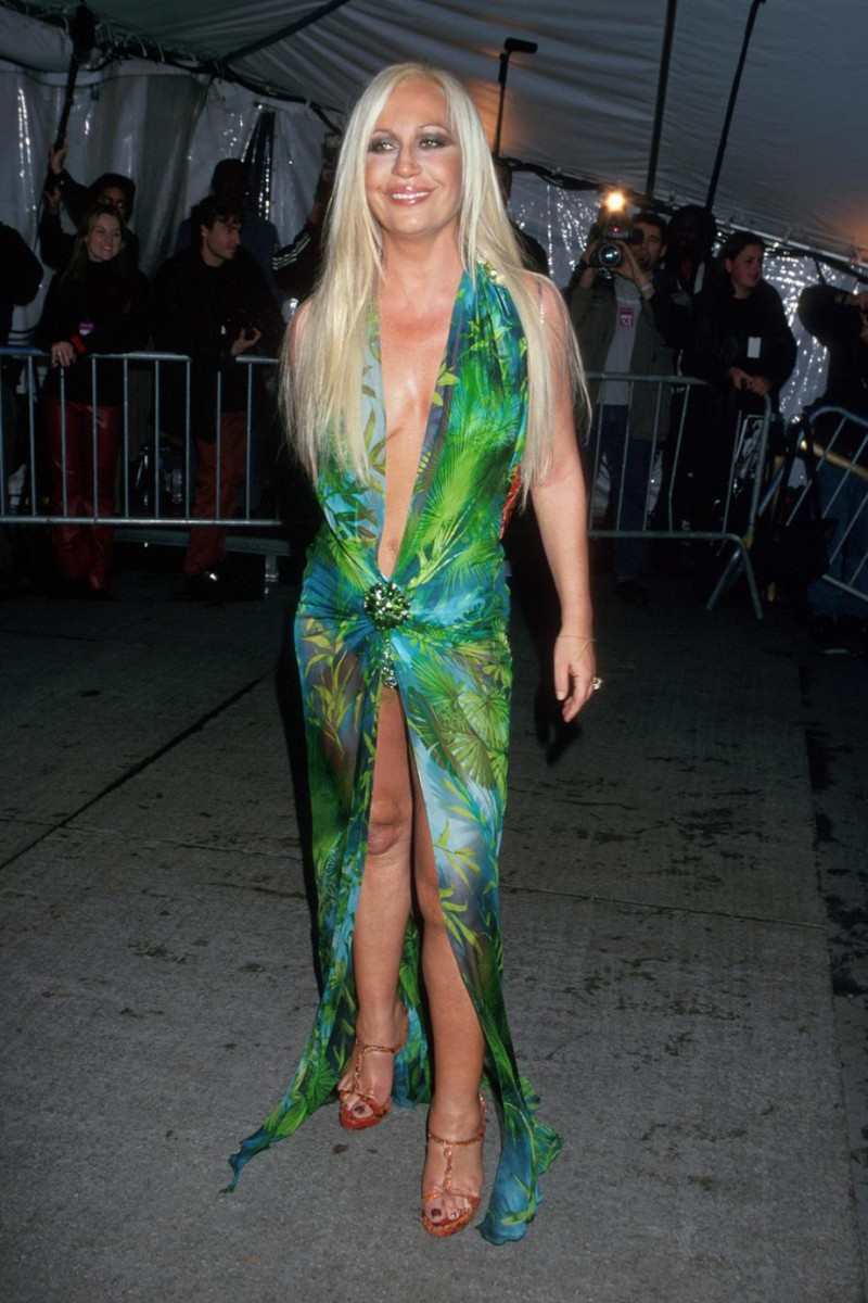 Versace-Updates-The-J.Lo-Dress-For-2019-2