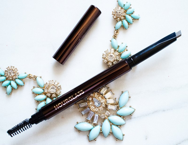 Hourglass-Arch-Brow-Sculpting-Pencil