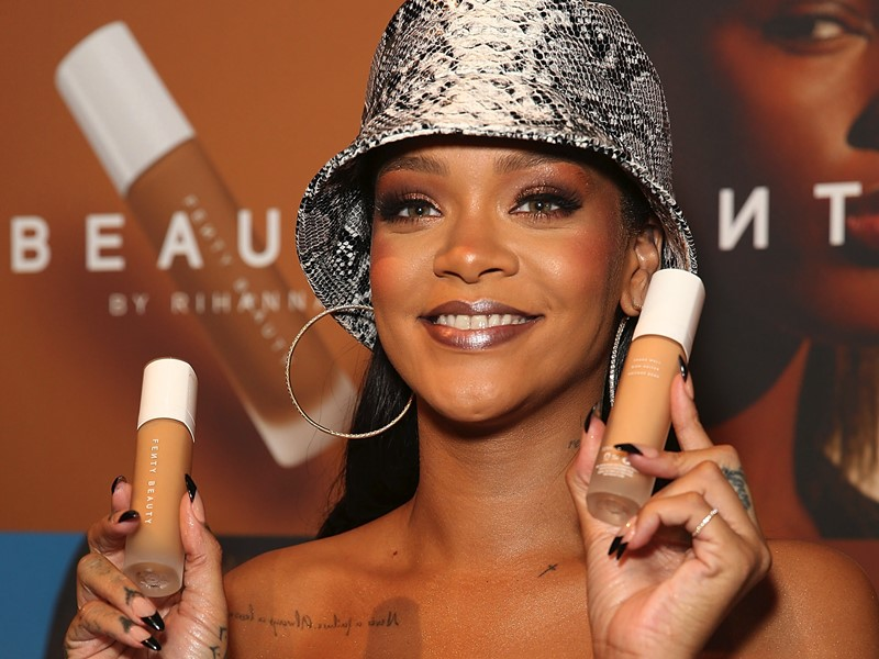 Fenty-Beautys-50-Shades-of-Pro-Filtr-Instant-Retouch-Concealer