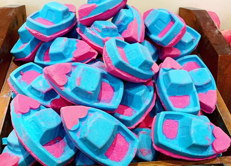 Love-Boat-Bath-Bomb-1
