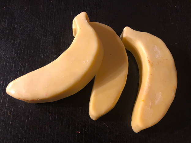 Lush-Big-Banana-Massage-Bar